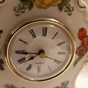 None Accents - Vintage style cerimac clock